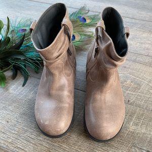 NWOT Birkenstock Brown Distressed Boots